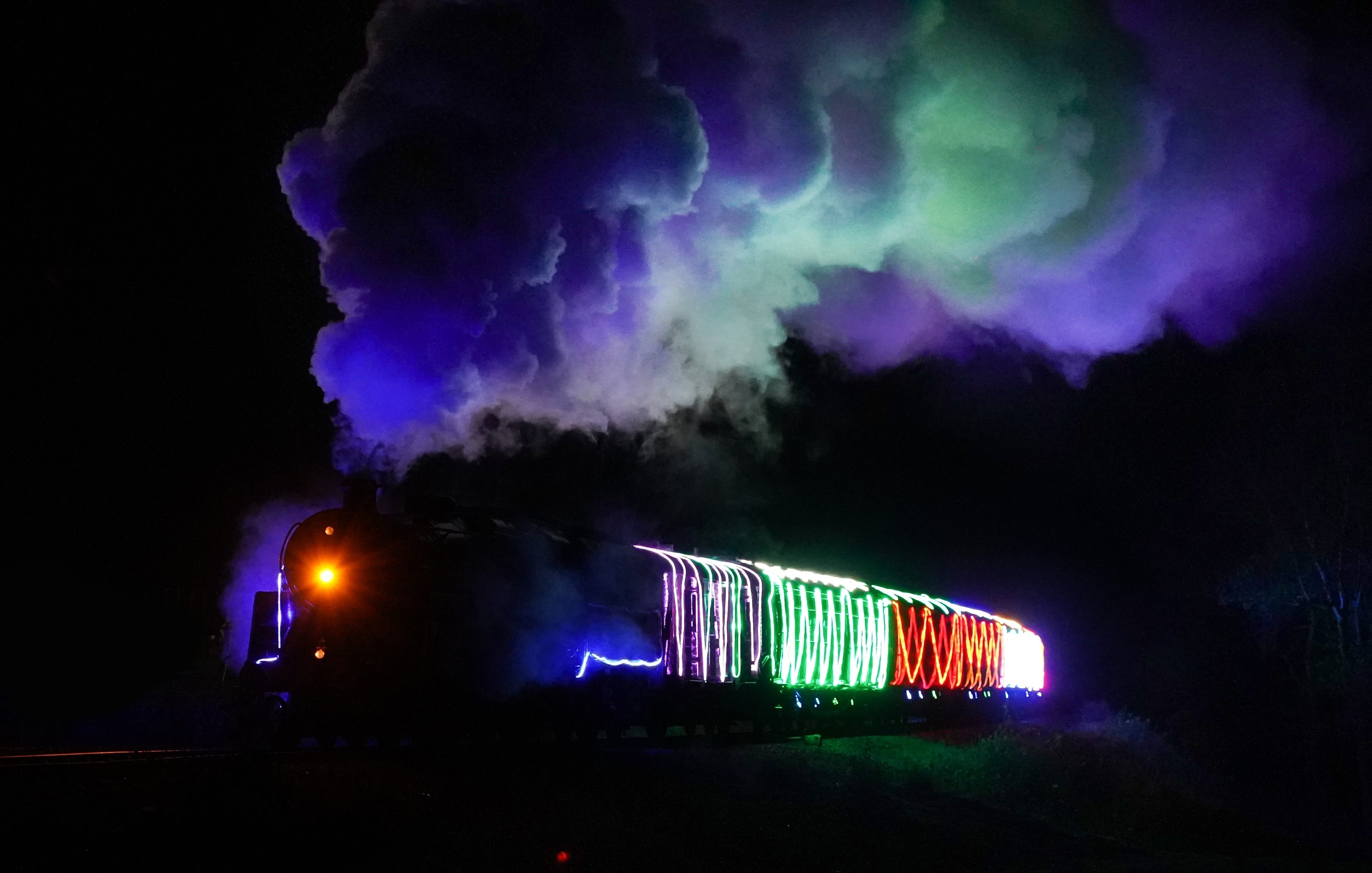 bluebell_railway_steamlights_credit_casey_photography__clare_clark_3851_01