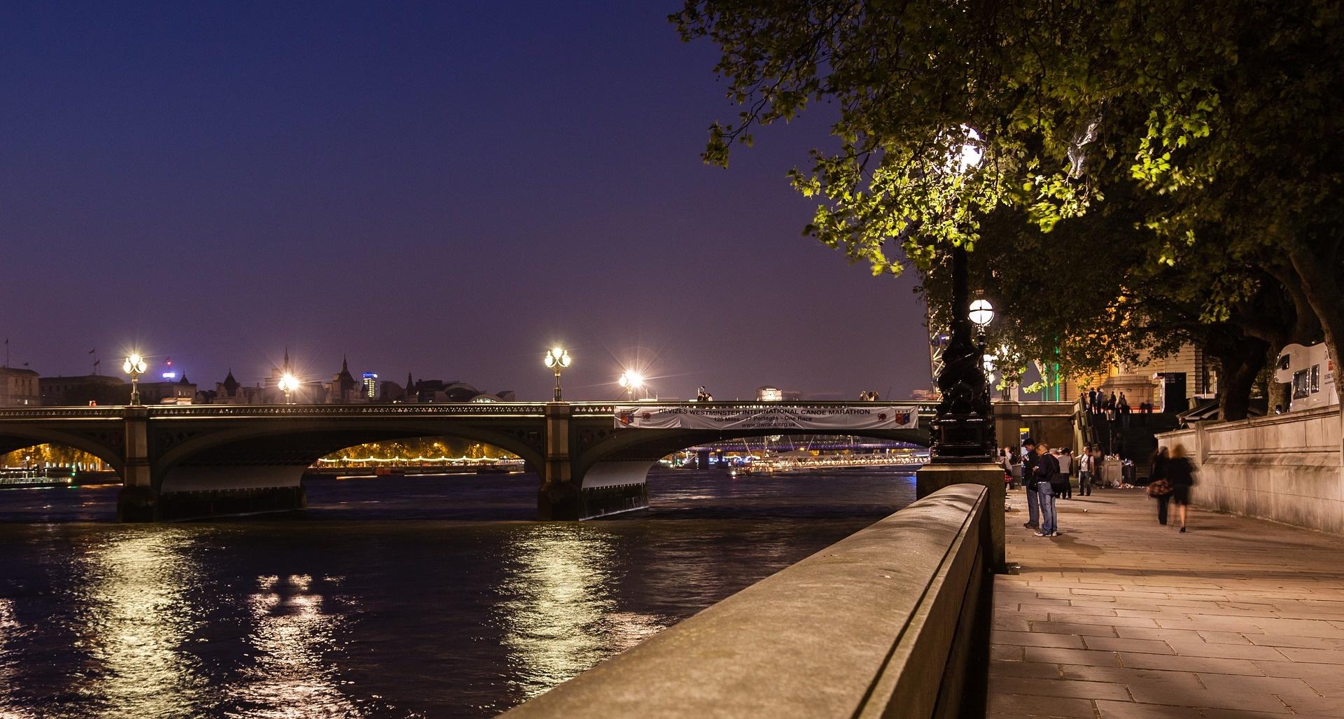 london_at_night__1920_01