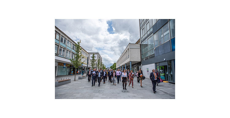 people_walking_through_town_centre_750