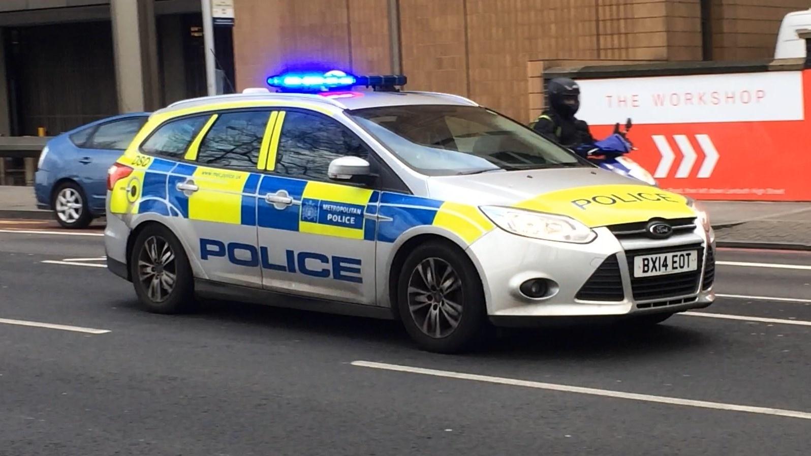 police_1596_01